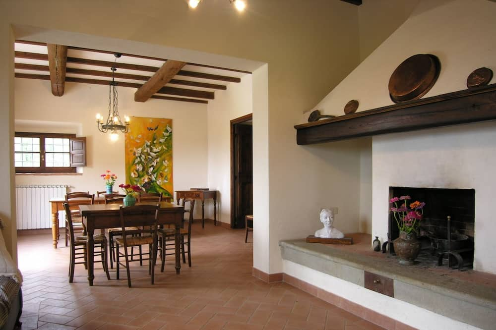 Villa, 5 Bedrooms, 2 Bathrooms - In-Room Dining