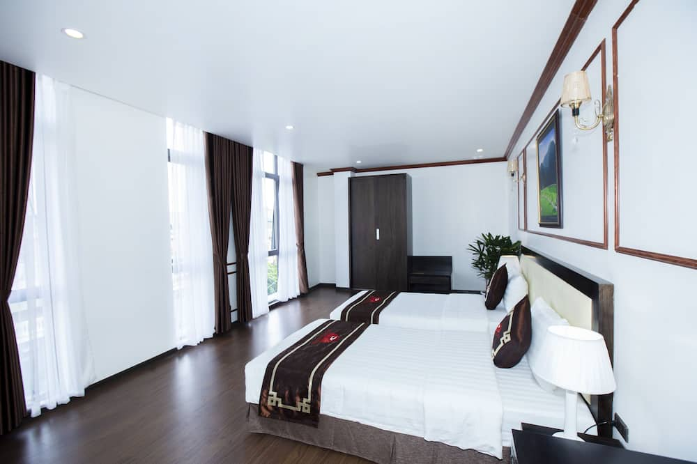 Superior Twin Room - City View