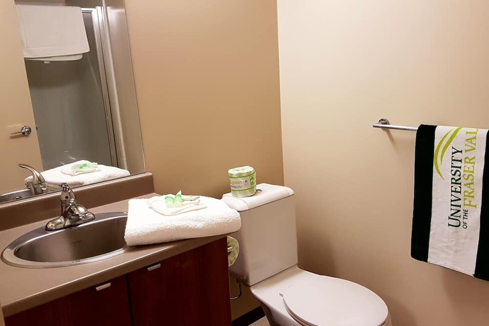 Room, 1 Twin Bed, Shared Bathroom (Linens not provided) - Bathroom