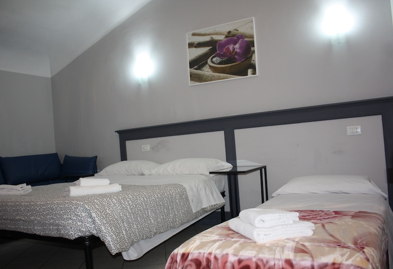 Fanti Rooms, Rome, Basic Triple Room, Non Smoking, Guest Room
