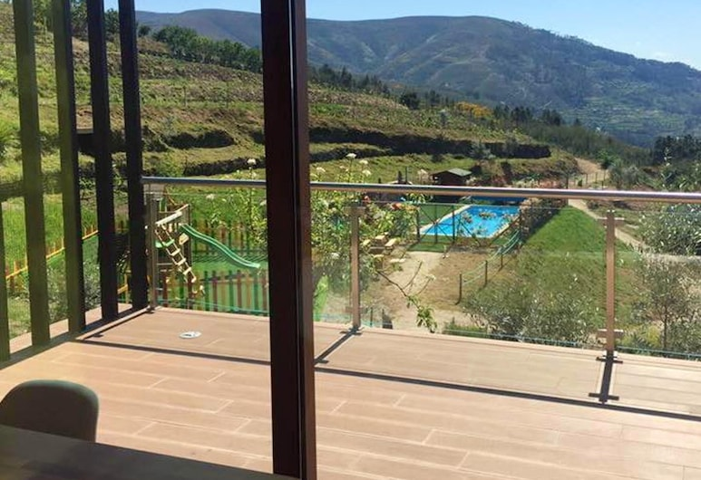 Bungalow With 2 Bedrooms in Furtado, With Wonderful Mountain View, Shared Pool, Furnished Garden - 20 km From the Slopes, Seia