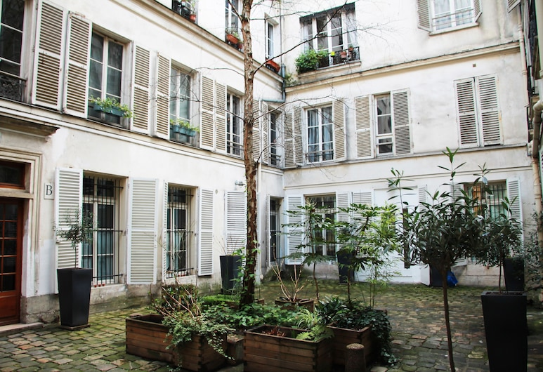 Family Apartment Montorgueil, Paris, Innenhof