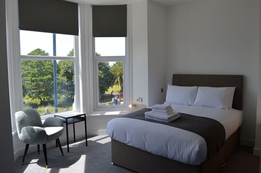 Q8 Boutique Hotel Southsea Superior Double Room 1 Bed Park View