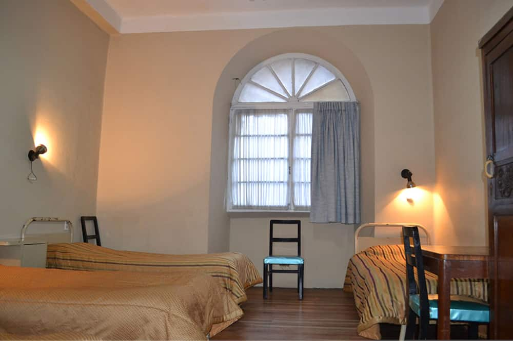 Economy Shared Dormitory, 4 Bedrooms - Guest Room