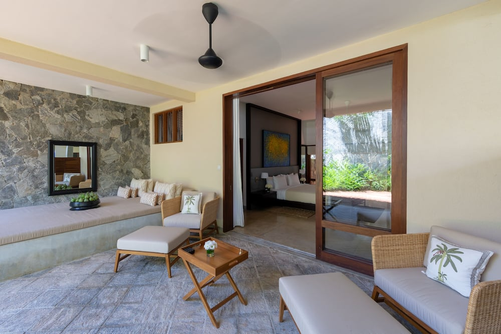 Eight Bed Room Villa with Private Pool - Wohnzimmer