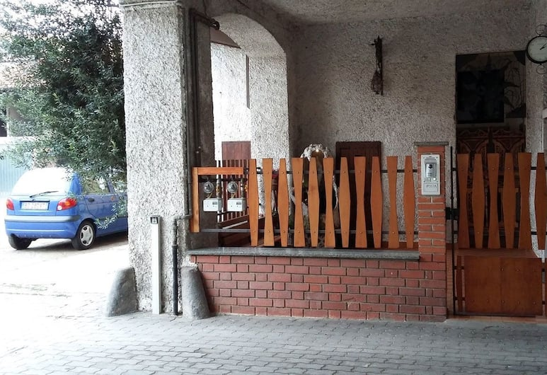 Ca' Lina Bed & Breakfast, Lainate, Hotel Entrance