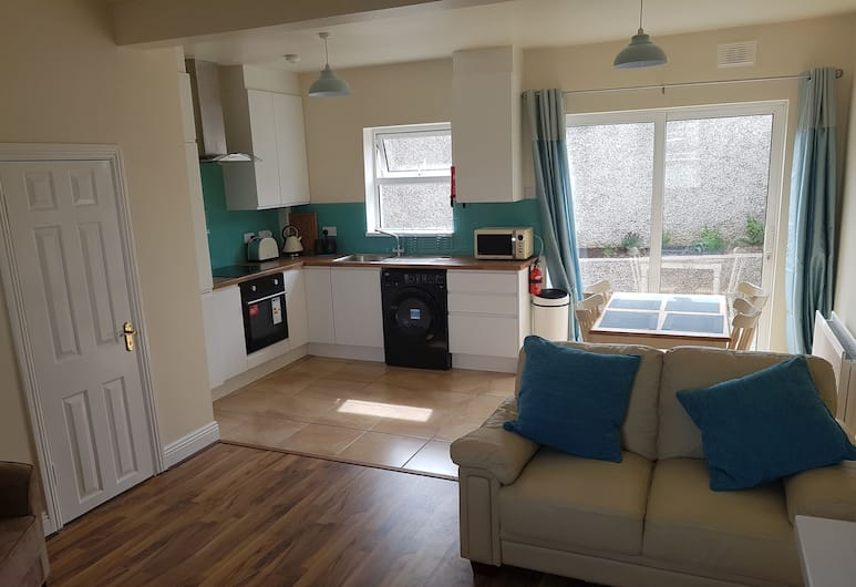 3 Bed Newly Renovated Cork city Sleeps 5, Cork