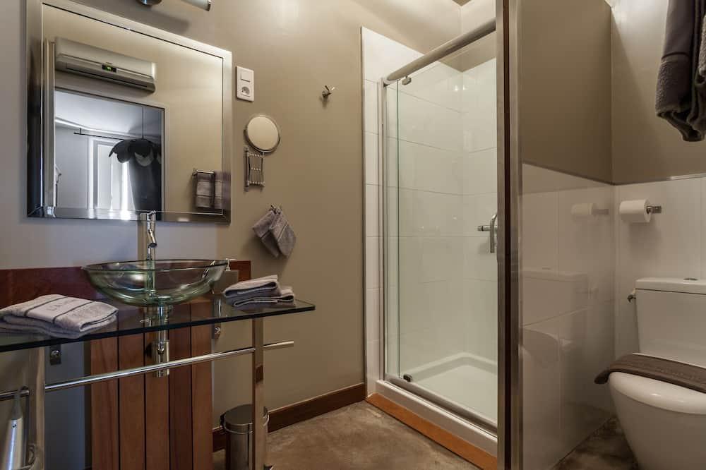 Szoba kétszemélyes ággyal, nemdohányzó - Fürdőszoba