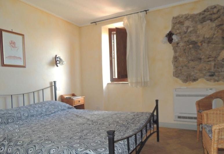 Il Borgo Affittacamere, Castiglione in Teverina, Quadruple Room, 2 Bedrooms, Guest Room
