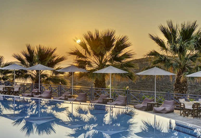 Sunrise Beach Suites, Syros, Kolam