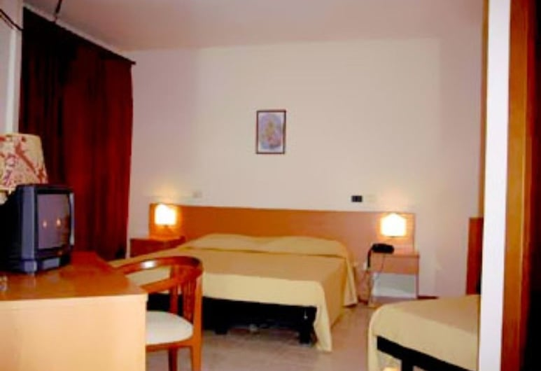 Hotel Ristorante La Marchigiana, Sarnano, Apartment, 2 Bedrooms, Guest Room