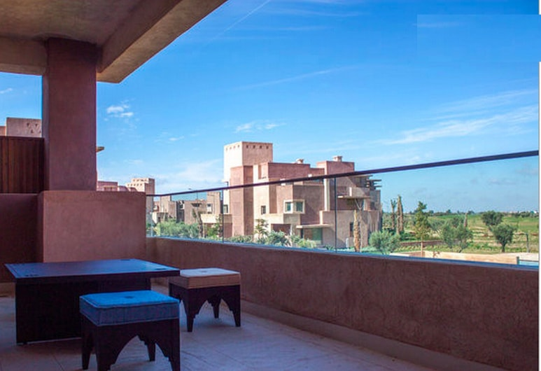 Golf and Pool Private Apartment, Marrakech