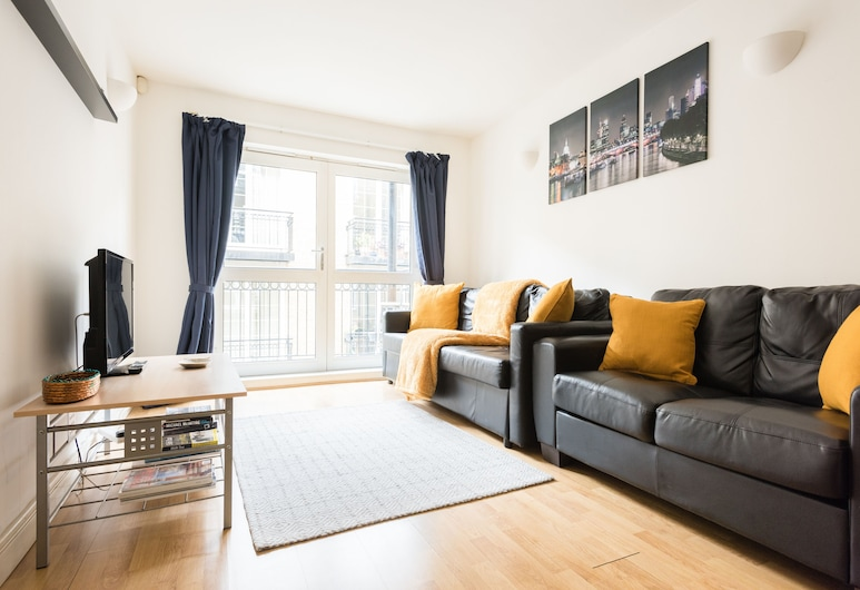 Platinum Apartments Next to London Bridge 9997, London, Apartment, 2 Bedrooms, Non Smoking (9999), Living Room