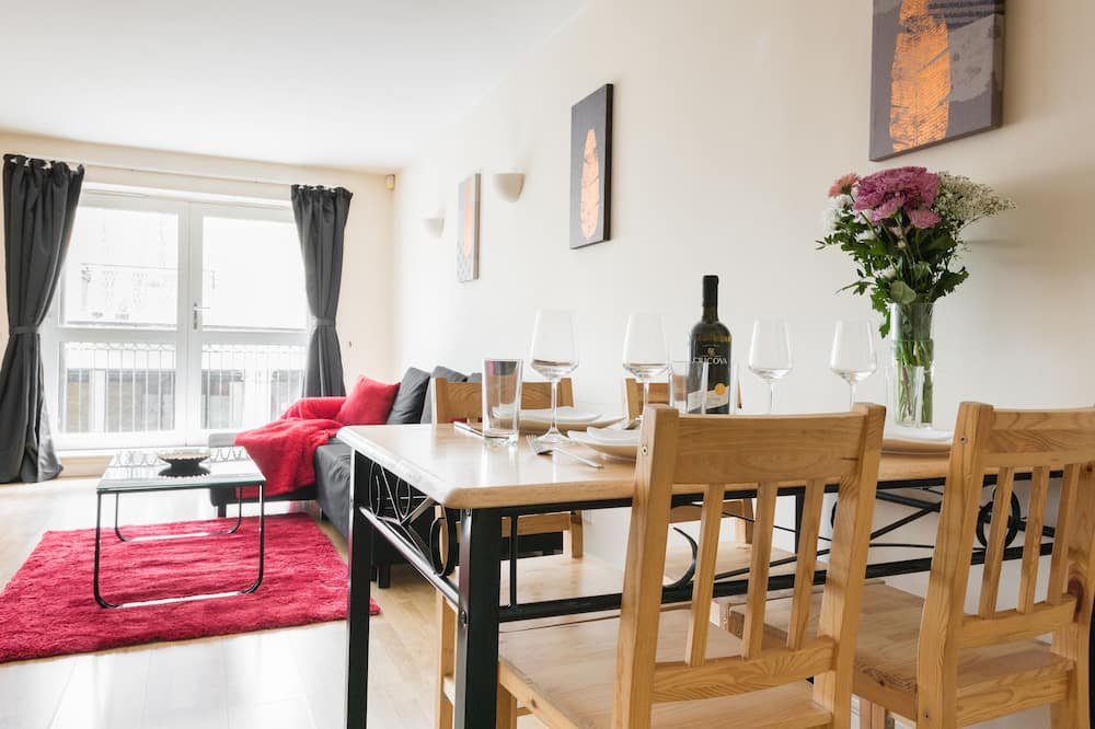 Apartment, 2 Bedrooms, Non Smoking (9997) - In-Room Dining