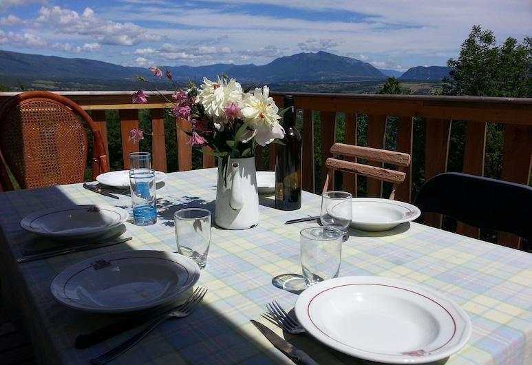 Gîte Eco refuge, Corbonod, Outdoor Dining