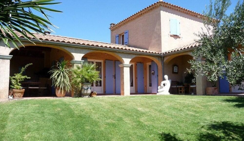 rocamalou location villa de rve avec piscine chauffe gard sud france apartment 4