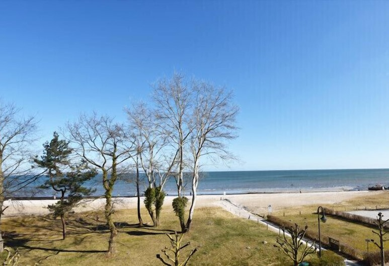 Seeschloss Binz, Binz, Beach