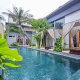 Sarina Hotel & Villa
