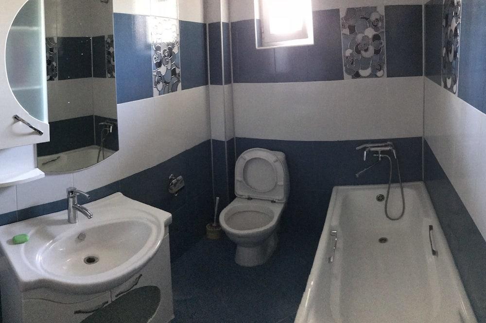 三人房, 3 張單人床, 共用浴室, 城市景 - 浴室