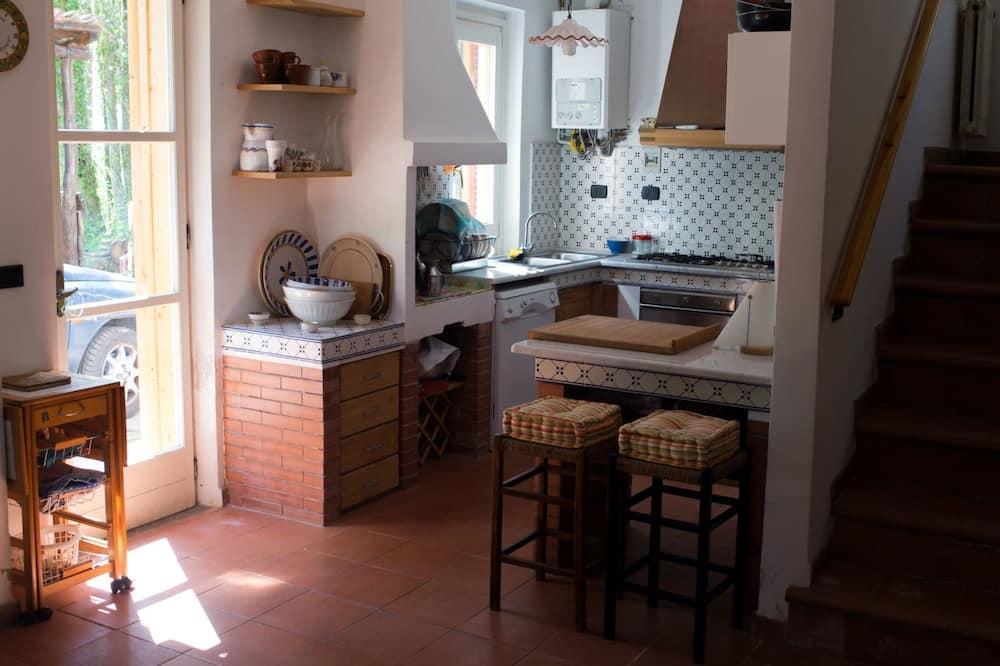 Dvivietis kambarys, bendras vonios kambarys (Mimose) - Bendra virtuvė