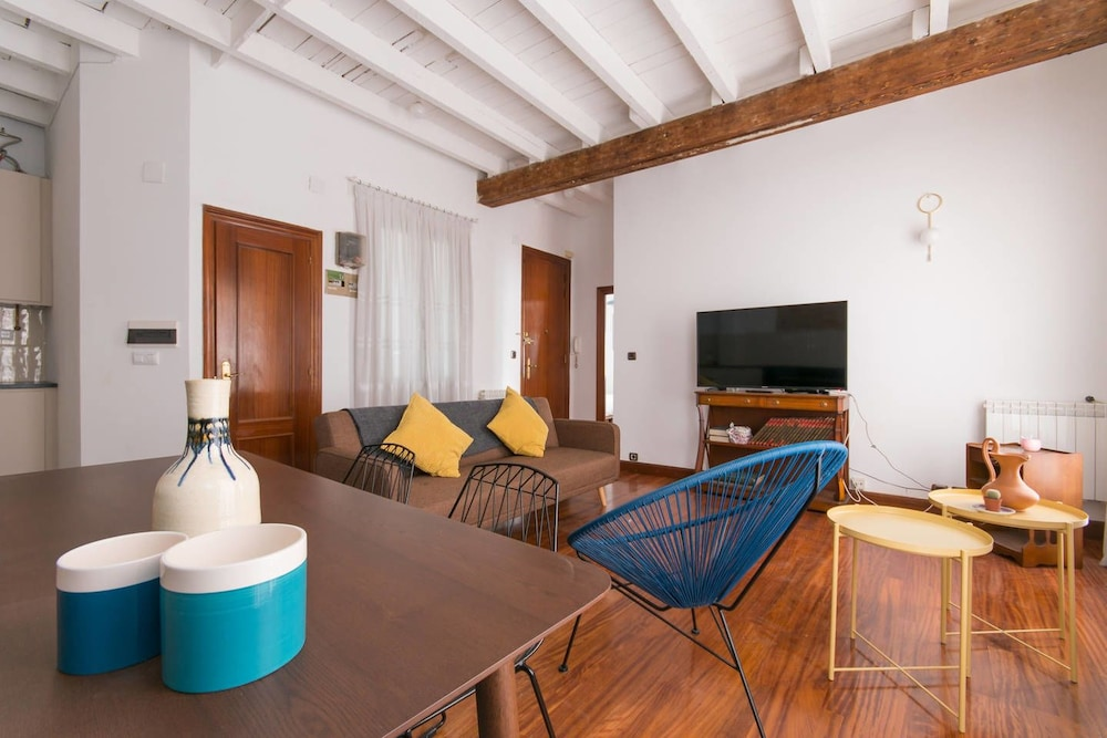 City Hall 1 Apartment By Aston Wolf Bilbao 2 Bedrooms