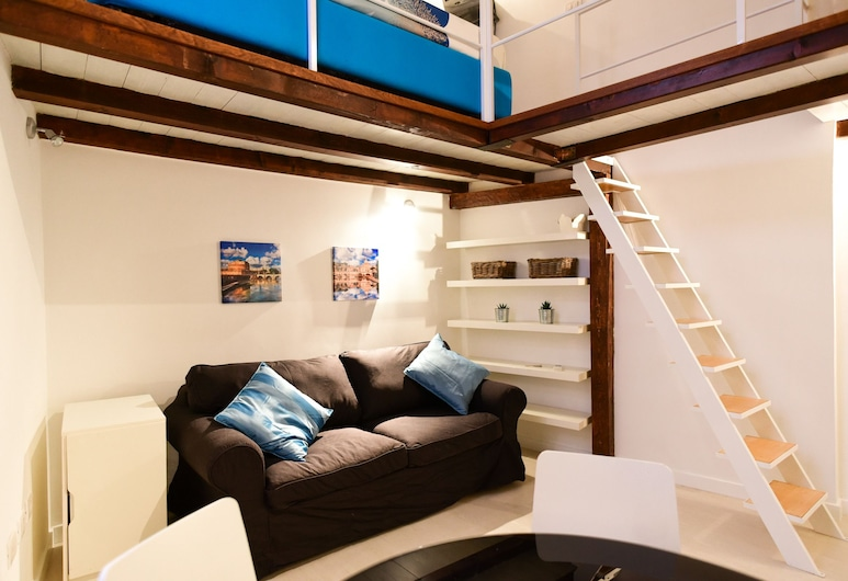 Campo de' Fiori Cozy Studio, Rome, Apartment, Living Area
