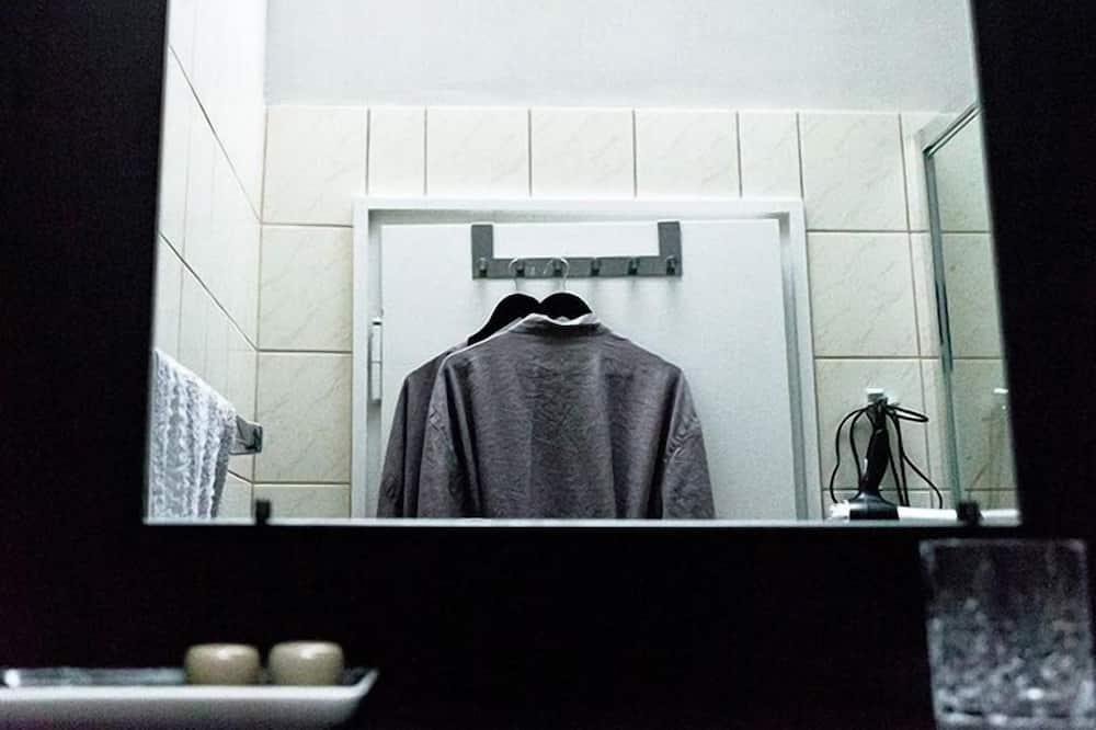 Habitación doble, baño compartido - Comodidades del cuarto de baño