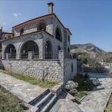 Stone Mansion Anavryti