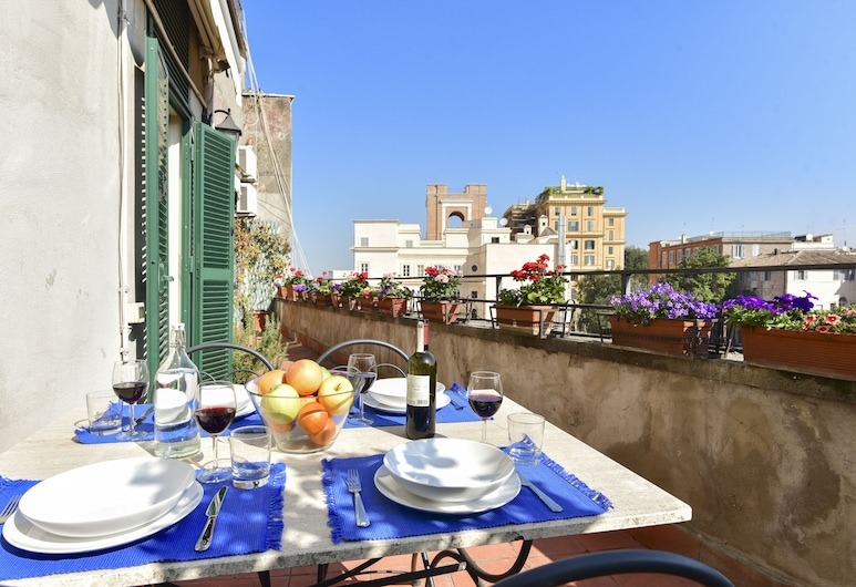 Rome at Your Feet Apartment with Terrace, Rome, Apartment, 2 Bedrooms, Terrace/Patio