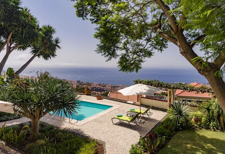 奎塔阿雷吉亞我們的馬德拉飯店, 芳夏爾, 游泳池