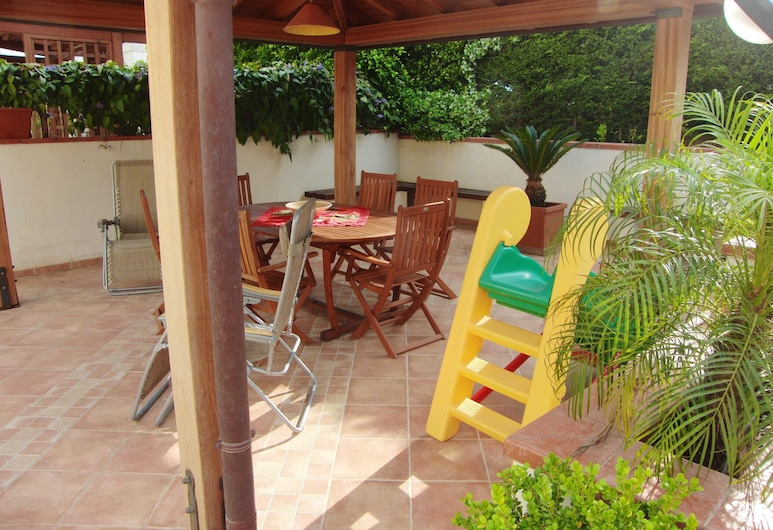 House With 2 Bedrooms in Castelvetrano, With Furnished Terrace - 500 m From the Beach, Castelvetrano, מרפסת/פטיו