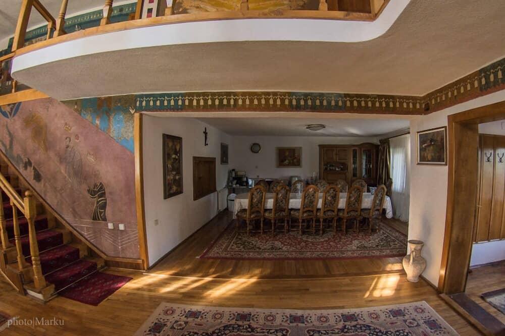 Villa familiar, balcón (9 rooms/ 8 bathrooms) - Servicio de comidas en la habitación