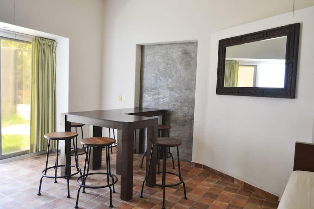Comfort Stüdyo Süit, 1 Yatak Odası, Teras, Şehir Manzaralı - Oturma Alanı