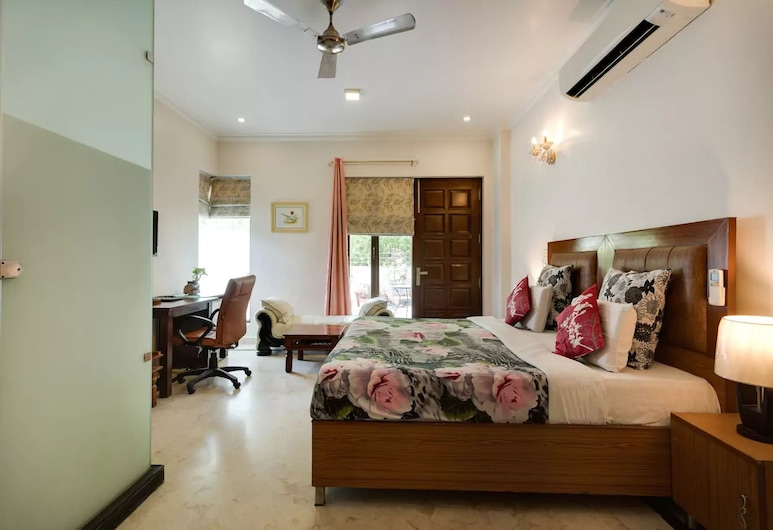Perch Arbor Suites, Gurugram, Business Single Room, 1 Double Bed, Accessible, Non Smoking, Guest Room