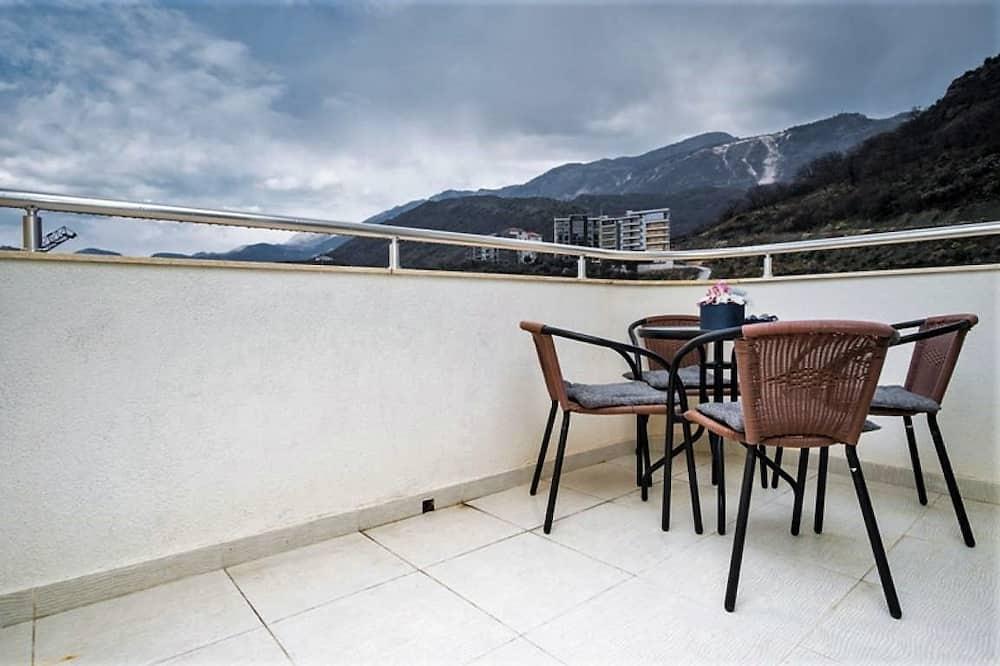 Apartment, 2 Bedrooms (2) - Balkon