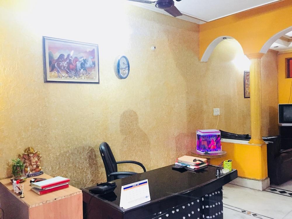 Hotel Sun Palace Residency, Noida