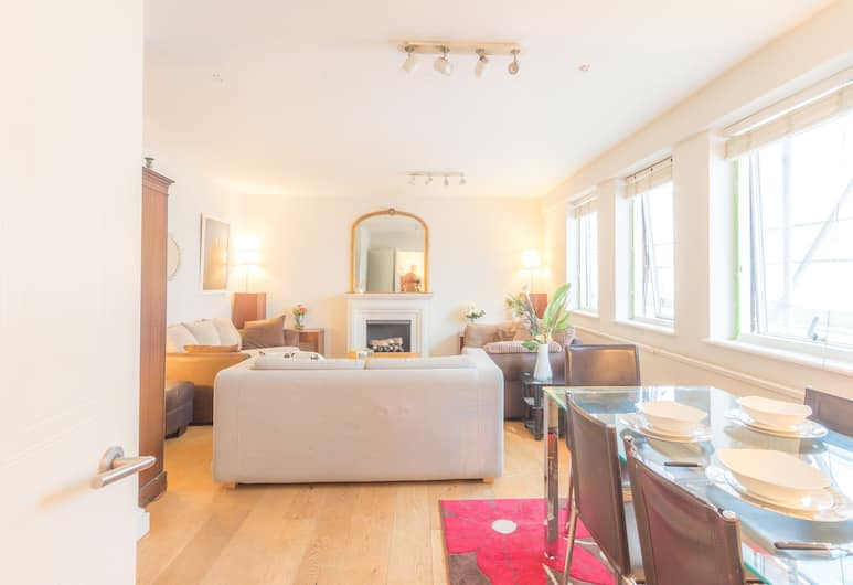 OPS 2 Bed 1 Bath Apartment, London
