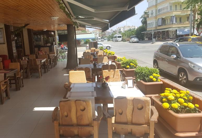 Damlatas Elegant Apart Hotel, Alanya, Açık Havada Yemek