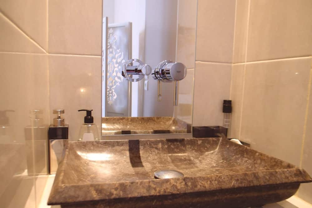 Double Room (Les 3 Ages) - Bathroom Sink
