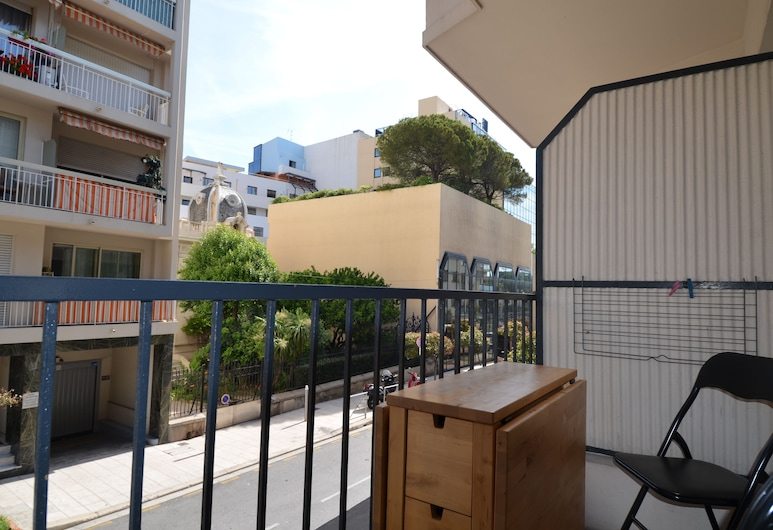 Large studio 4 persons near Promenade des Anglais in Nice , Nice, Studio, Balcony