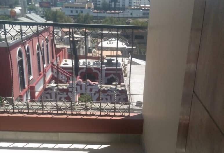 Honey House, Arequipa