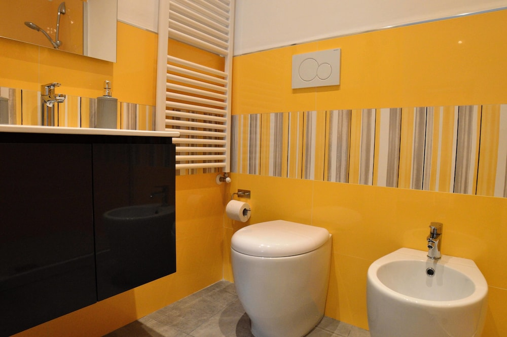 Palazzo Verdi B&B, Viterbo, Double Room, Ground Floor, Bathroom