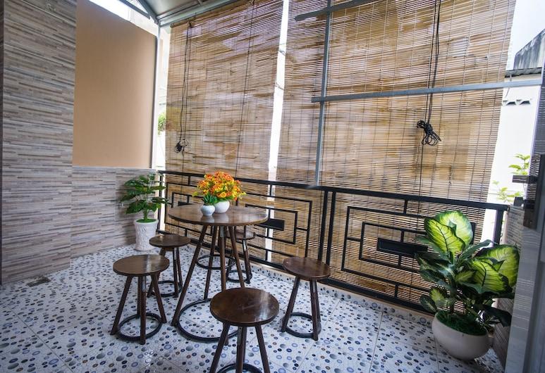 Language Exchange Hostel 1, Ho Chi Minh City, Terrace/Patio