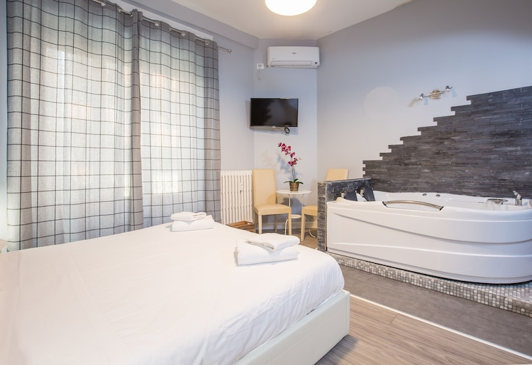 Royal House Vaticano, Rome, Double Room, 1 Queen Bed, Jetted Tub, Private spa tub