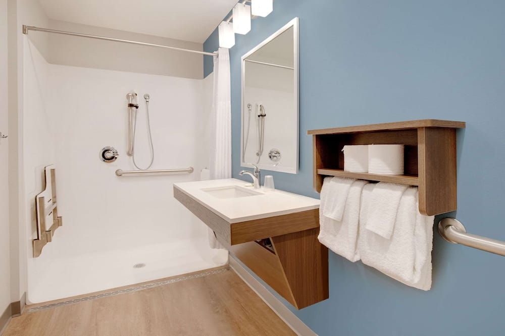 Quarto, 2 camas queen-size, Acessível, Não-fumadores - Casa de banho