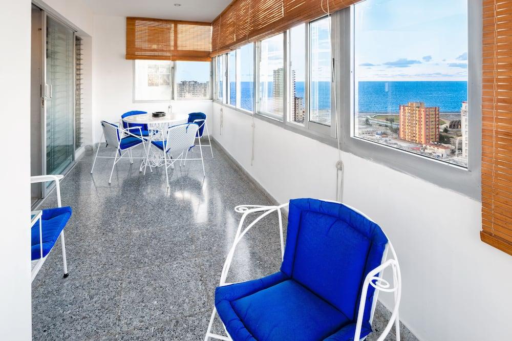 Barbara's Apartment- 4 Bedrooms Ocean & City View -CITY CENTER - Balcony