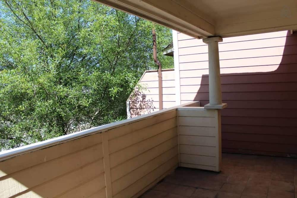 Business Townhome, 3 Bedrooms - Balcony