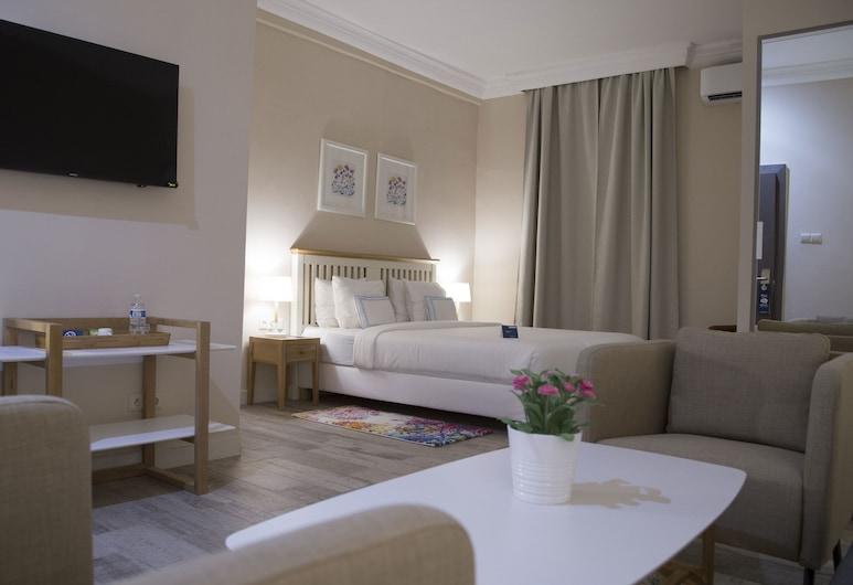 Semiramis Hotel HMJ, Nouakchott, Svit Business - 1 kingsize-säng, Gästrum