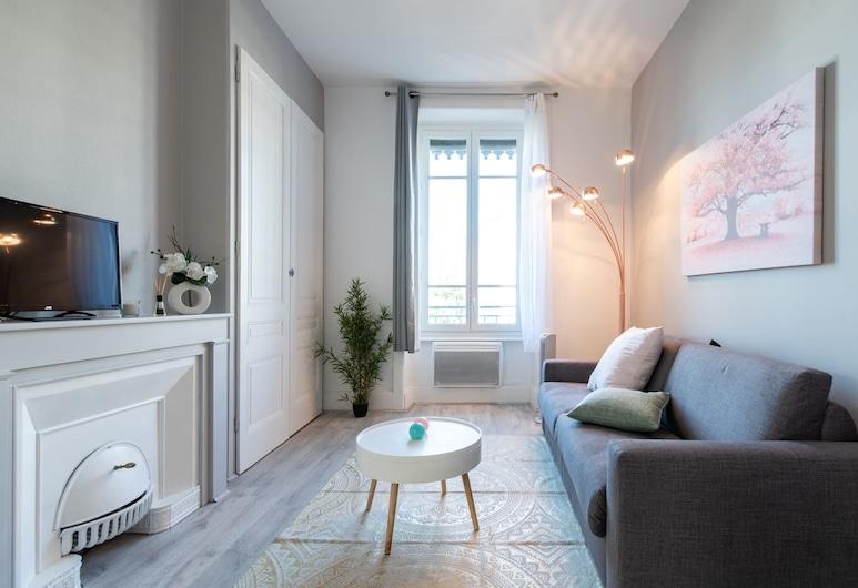 Renting Lyon Pirard, Lyon
