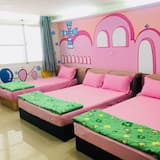 Basic Double or Twin Room, Multiple Beds, Non Smoking - Children's Theme Room